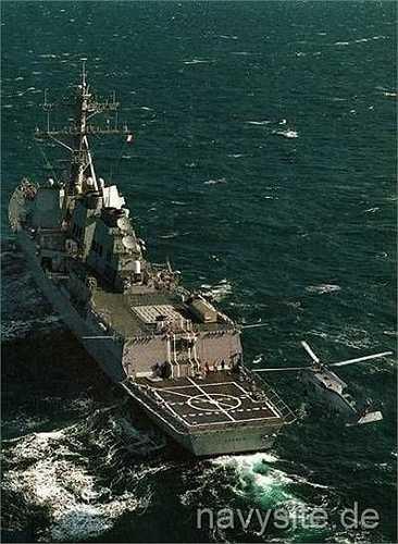 Tàu khu trục được trang bị tên lửa dẫn đường USS Lassen
