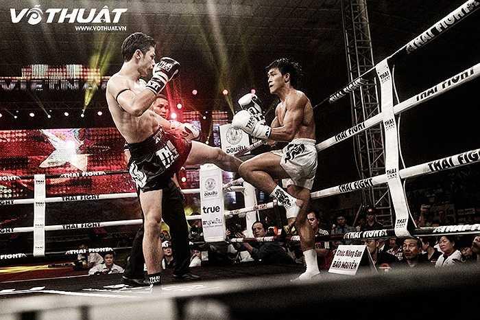 Đúng như những gì mà người em trai Nguyễn Trần Tự Do nhận định trước trận đấu, Duy Nhất sử dụng kỹ năng tuyệt vời của mình để dàn trải các đòn thế tìm kiếm điểm số.