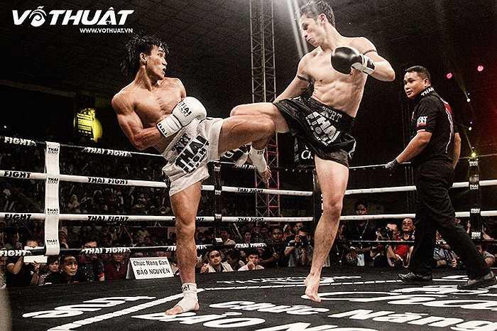 2 võ sĩ đều vào cuộc rất tự tin.