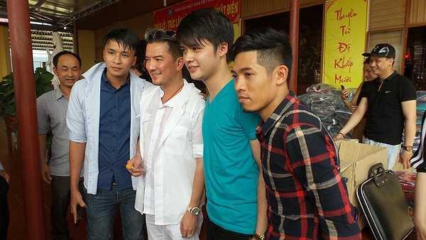 Không dừng lại ở đó, ngày 17/11, anh sẽ có đêm diễn hoành trang với tên gọi Người tình mùa đông sẽ được tổ chức tại Hà Nội.