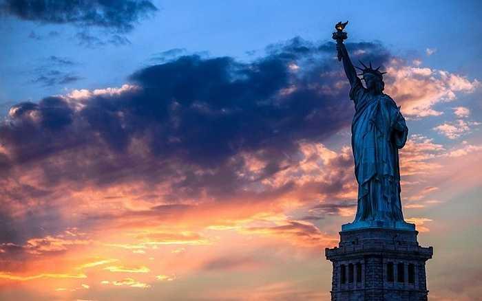 Bức tượng Nữ thần Tự do là công trình cao nhất nước Mỹ.