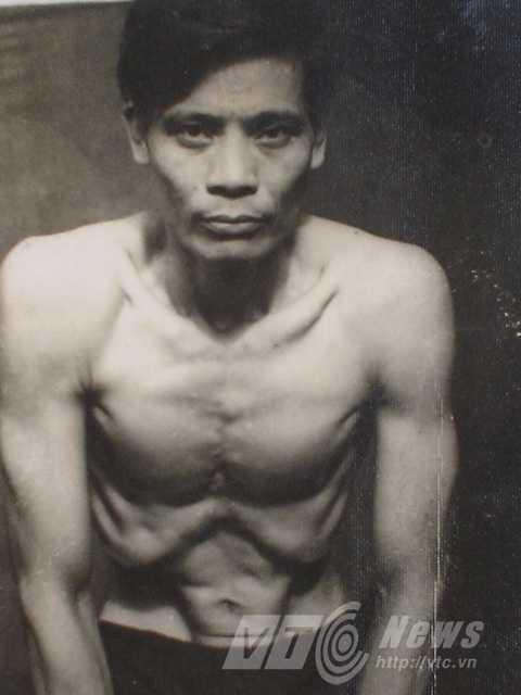 Ông Nguyễn Thế Trường biểu diễn. Ảnh nhân vật cung cấp