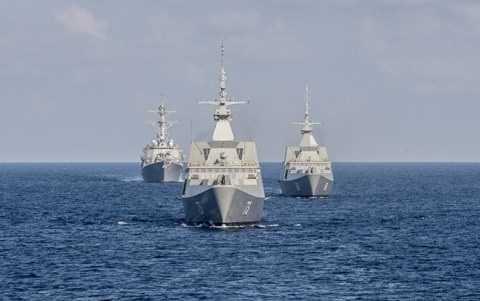 Tàu USS Lassen (hàng đầu)