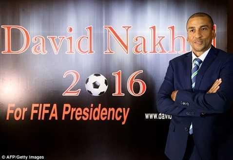 Ông David Nakhid là người đầu tiên bị loại