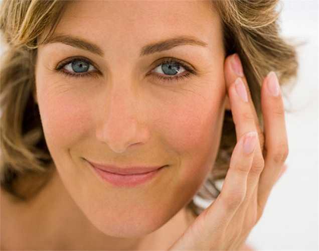 Ngăn ngừa nếp nhăn: dầu hạt vừng giúp bảo vệ da khỏi tia UV từ ánh nắng mặt trời và ngăn ngừa sự xuất hiện của nếp nhăn và sắc tố.
