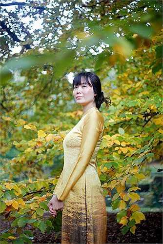 'Ngô đồng nhất diệp lạc, thiên hạ cộng tri thu', với người Á Đông mùa thu đến cùng một chiếc lá ngô đồng rụng, cảm giác thu về man mác như khói như sương.