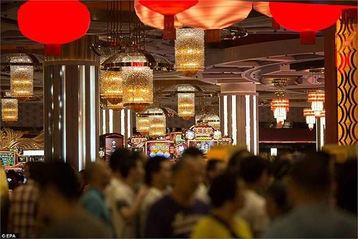 Khu casino xa hoa mới được lấy ý tưởng từ bộ phim Người Dơi nổi tiếng sẽ có một đường bay mô phỏng hình ảnh Người Dơi bay xuyên qua thành phố Gotham và 3.700m2 trung tâm vui chơi trong nhà.