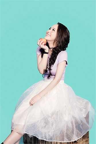 Quỳnh Nga đánh dấu sự trở lại của cô với khán giả truyền hình và âm nhạc.