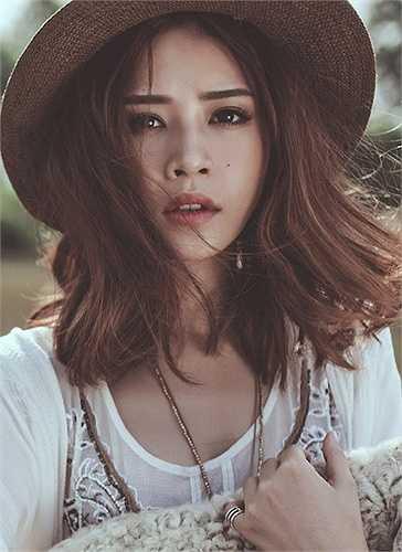 Fanpage củaChi Pu có hơn 6 triệu người like và mỗi bài đăng trên trang có thể có mức giá 484 USD (gần 11 triệu đồng).