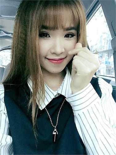 Nữ ca sỹ Khởi My có hai trang fanpage và cả hai đều hoạt động rất 'năng suất'.