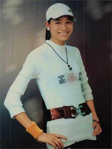 Ngày 3/10 vừa qua, Phạm Hương đã chính thức đăng quang cuộc thi Hoa hậu hoàn vũ VN 2015. Để đến được với vương miện danh giá, người đẹp đến từ Hải Phòng đã phải trải qua một tuổi thơ gian khó và một hành trình gian nan khi 'mòn gót' ở rất nhiều cuộc thi sắc đẹp lớn nhỏ.
