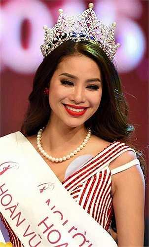 Năm 2013, Phạm Hương ghi danh tại cuộc thi Nữ hoàng trang sức. Được đánh giá cao nhờ gương mặt ấn tượng và thân hình chuẩn, nhưng một lần nữa, Phạm Hương lại cũng chỉ dừng chân ở vị trí top 5.
