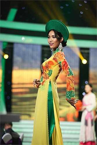 'Đối với Khuê Miss World là cuộc thi lớn, lớn nhất hành tinh, nhưng đó không phải đấu trường lớn nhất cuộc đời'