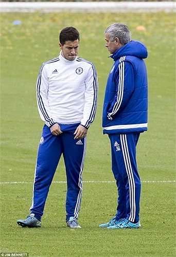 Mặc dù vậy, thành tích của The Blues vẫn không được cải thiện. Trước thềm trận đấu với Liverpool, Mourinho đã quyết định làm hòa với Hazard