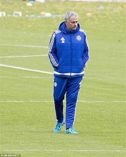 Bỏ qua tất cả, Mourinho quyết định trọng dụng lại cậu học trò cưng ngày nào, người ông cho là ngang đẳng cấp với Ronaldo và Messi