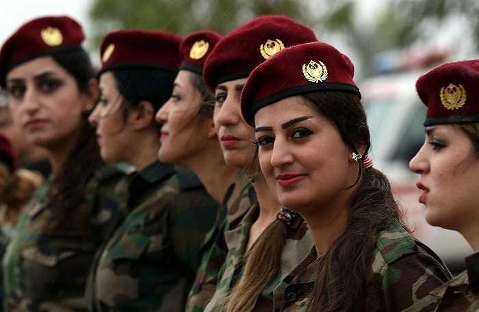 Các nữ chiến binh Peshmerga tham gia một buổi huấn luyện tại Arbil, miền bắc Iraq