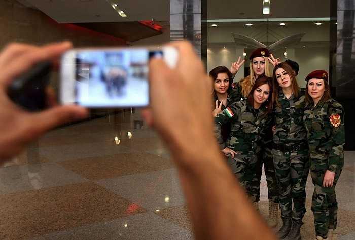 Những giờ phút giải lao của các nữ chiến binh ở Arbil, miền bắc Iraq