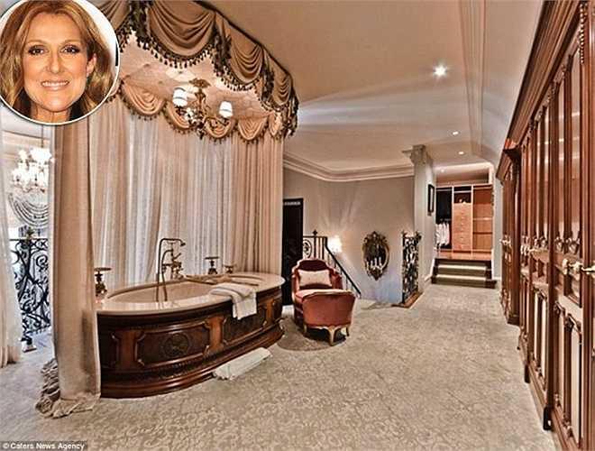 Celine Dion, 47 tuổi, có phòngtắm được trang hoàng với khungrèm cửa bằngvàng, rèm che cũng là loại thượng hạng, tạo cảm giác dễ chịu khi ngâm mình trong bồn. Phòng tắm này nằmbên trong ngôi nhà sáu phòng ngủ của cô tạimột hòn đảo tư nhân ở Quebec, Canada.