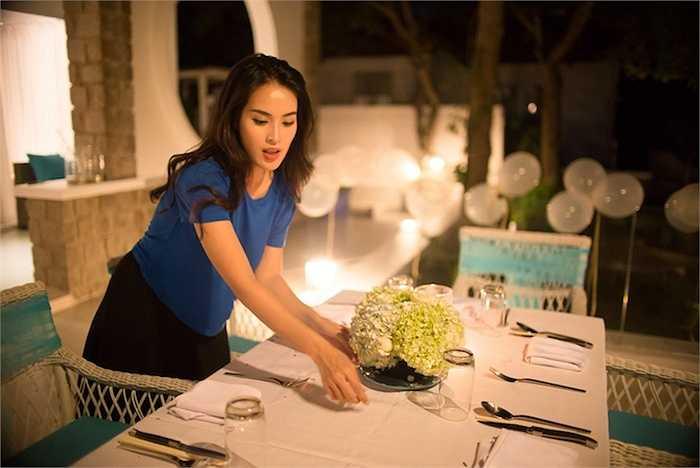 Trong thời gian Tú Vi đi Long Hải cùng bạn bè và người thân, Văn An vẫn ở Sài Gòn hoàn thành nốt những công đoạn cuối chuẩn bị cho đám cưới. Họ đã bắt đầu công việc này từ hơn 4 tháng trước, từ chọn địa điểm cho đến việc lên ý tưởng sân khấu, in thiệp mời…