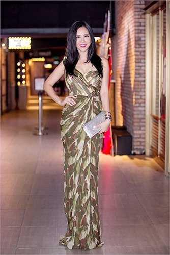 Tối 31/10 vừa qua, hoa hậu Thu Hoài đã đến tham dự buổi Khai mạc Tuần lễ phim Anh 2015 diễn ra tại Thành phố Hồ Chí Minh.