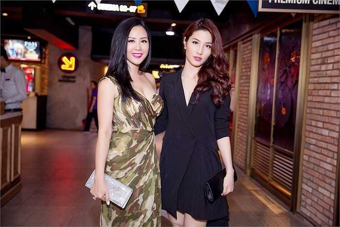 Tại buổi ra mắt, hoa hậu Thu Hoài có dịp gặp lại diễn viên Diễm My 9X, cô là người em khá thân thiết của hoa hậu Thu Hoài.