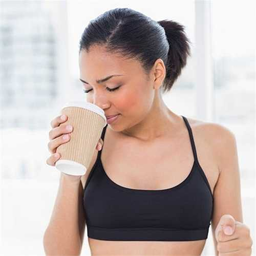 Thực tế trong thành phần của các loại đồ uống dành cho người chơi thể thao có tính axit, đường và hóa chất phụ gia trong nước uống cho người chơi thể thao có thể làm suy yếu men răng, tạo kẽ hở cho vi khuẩn bám vào.