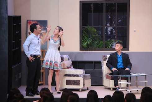 Quang Tèo cặp bồ tay ba với con gái chủ nhà - trưởng phòng Công Lý.