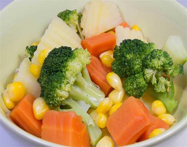 Bảo tồn các chất dinh dưỡng trong thực phẩm khi nấu ăn: Hấp rau với ít nước thì tốt hơn so với nấu. Ăn rau sống cũng tốt vì nó là một trong những thói quen ăn uống tốt khác để ngăn ngừa ung thư.