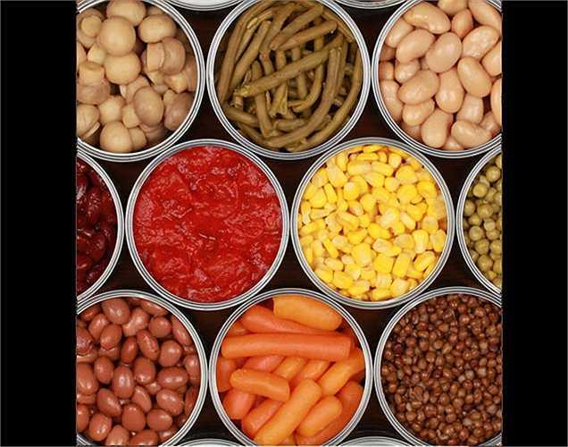 Thực phẩm chế biến sẵn: Thực phẩm chế biến sẵn thường không lành mạnh. Các chất nhân tạo có trong những thực phẩm này sẽ xâm nhập vào đường ruột của bạn với các độc tố gây ung thư.