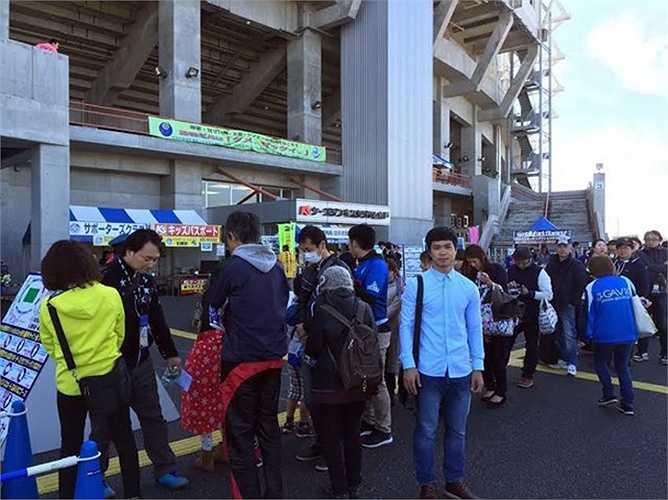 Ngày 1/11, anh tiếp tục được đưa tới sân K's Denki - sân nhà của CLB Mito Hollyhock.