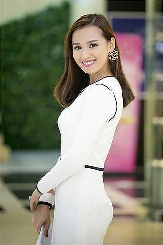 Lã Thanh Huyền tranh thủ dịp này để đi chọn mua một số nội thất, trang trí phòng cho con trai Chum Chum gần 3 tuổi.
