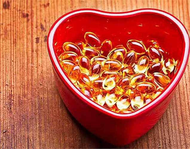 Dầu gan cá tuyết là một trong những thực phẩm tốt nhất có thể thay thế vitamin tổng hợp. Dầu gan cá tuyết có vitamin D cũng như chất béo omega 3 rất tốt trong việc ngăn ngừa ung thư và chăm sóc hệ thống miễn dịch.