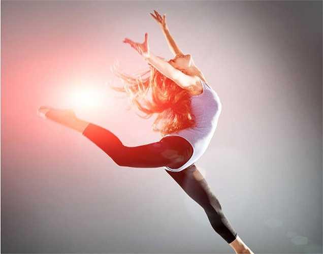 Tăng năng lượng: ăn ít hạnh nhân mỗi ngày là cách tốt nhất để tăng năng lượng. Mangan, đồng và riboflavin có trong hạnh nhân giúp tăng năng lượng và tỷ lệ trao đổi chất.