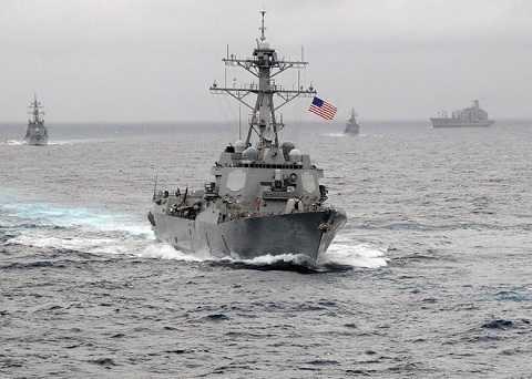 Tàu khu trục tên lửa Mỹ USS Lassen thực hiện tuần tra trong khu vực 12 hải lý thuộc đảo nhân tạo mà Trung Quốc xây dựng trái phép trên khu vực quần đảo Trường Sa của Việt Nam