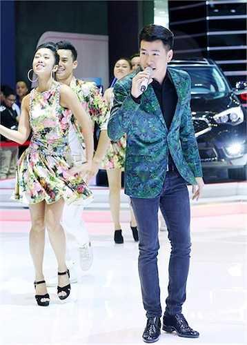 Nam ca sỹ đã chân tình chia sẻ: 'Ngay từ đầu, Dũng đã muốn album Lam Phương phải có một phong cách khác với album Vũ Thành An, phải trẻ trung và không quá khó nghe để có thể tiếp cận khán giả, nên Dũng và ekip của mình đã quyết định chọn bài này.'