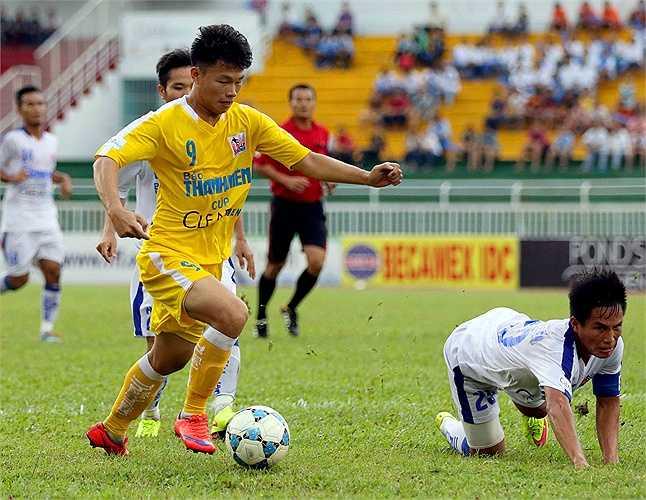 Văn Thành chính là cái tên đáng chú ý nhất của U21 Hà Nội tại giải U21 Quốc gia 2015. (Ảnh: Quang Minh)