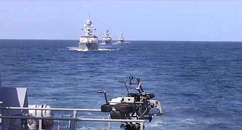 Các tàu chiến Hạm đội Caspi phóng tên lửa hành trình vào mục tiêu IS