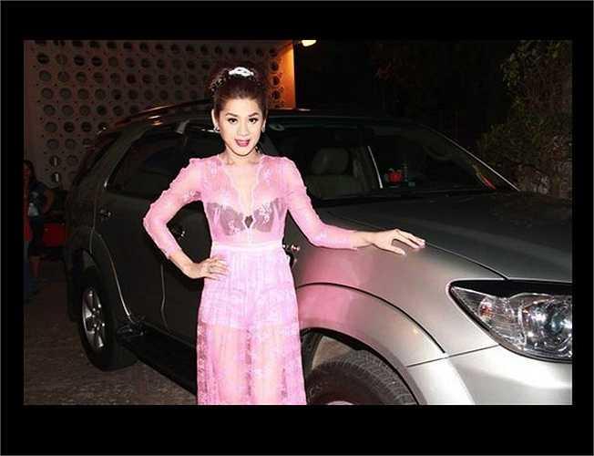 Lâm Chi Khanh cũng có một 'bộ sưu tập' những trang phục không được đánh giá cao.