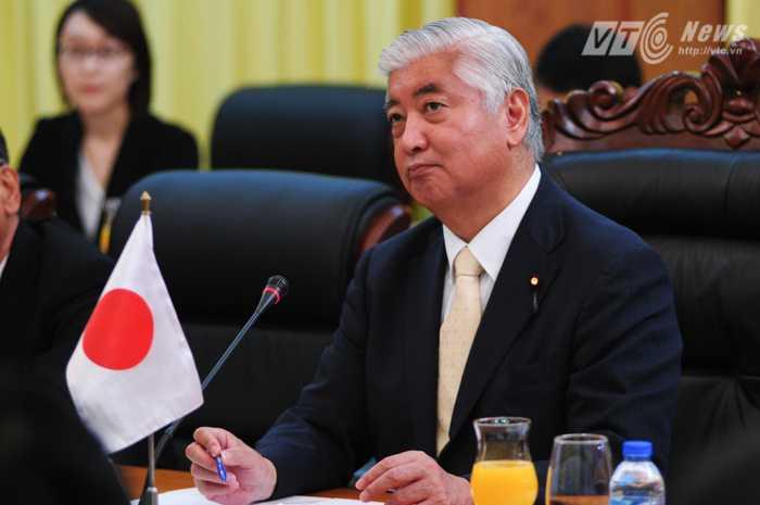 Bộ trưởng Nakatani Gen trong buổi hội đàm - Ảnh: Tùng Đinh
