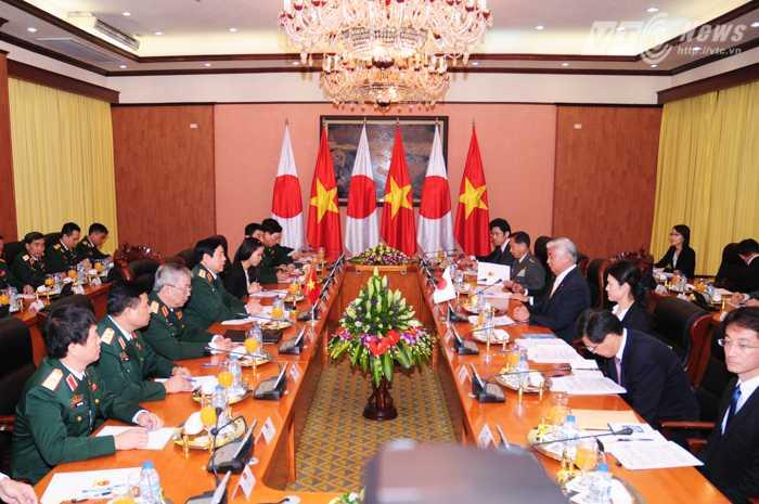 Hội đàm giữa đoàn Bộ quốc phòng Việt Nam - Nhật Bản - Ảnh: Tùng Đinh