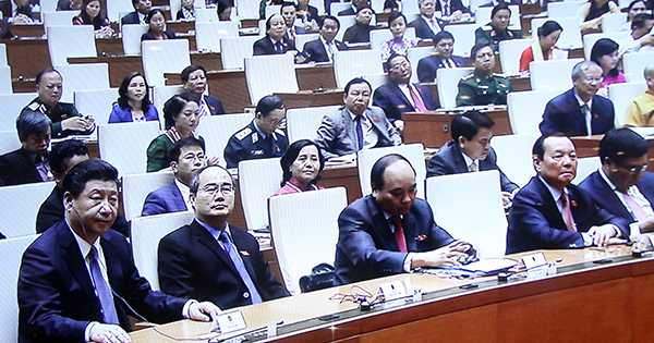 Ông Tập Cận Bình sau khi phát biểu trước Quốc hội Việt Nam