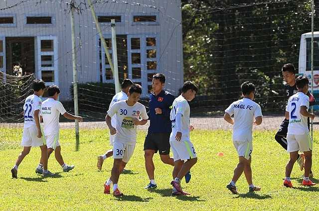 U21 HAGL đá trận khai mạc gặp Myanmar lúc 18h45 ngày 20/11. Trận đấu tiếp theo với U19 Hàn Quốc diễn ra 4 ngày sau đó, lúc 18h45 ngày 24/11. Cả hai trận đều trên sân Thống Nhất.