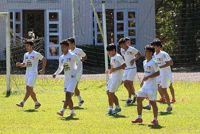 Nhằm bảo vệ cho ngôi vô địch, mấy tuần qua U21 HAGL đã bước vào tập luyện rất cật lực.
