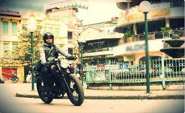 Anh có những bức ảnh rất đẹp khi đang cưỡi motor.