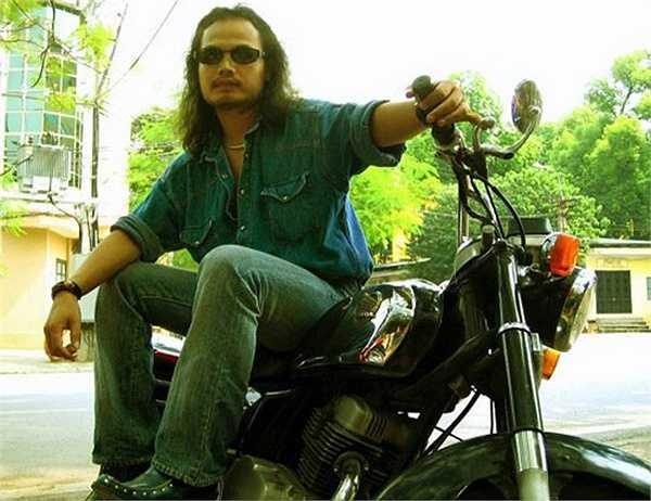 Anh là một tay chơi CD Benly có tiếng ở Hà Nội.