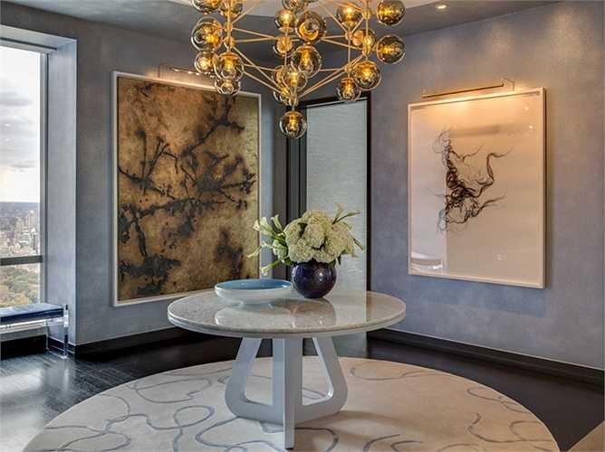 Các căn hộ đều được trang bị thêm các loại nội thất bóng loáng, tôn lên vẻ đẹp quý phái của căn nhà