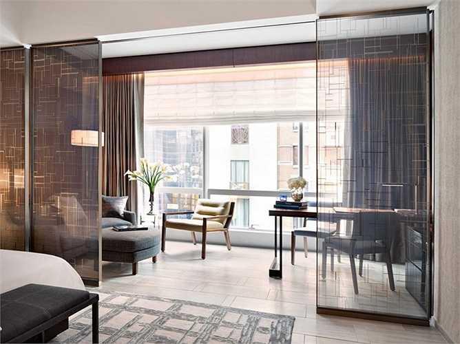 Khách sạn Park Hyatt nằm ở tầng 39, rất xa xỉ và thoải mái, hướng đến sự hài lòng tuyệt đối của du khách.