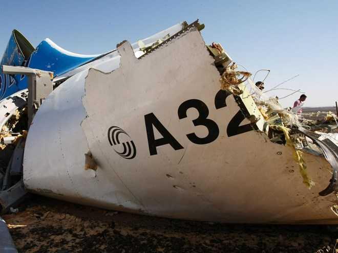 Mảnh vỡ máy bay A321 của Nga ở Ai Cập
