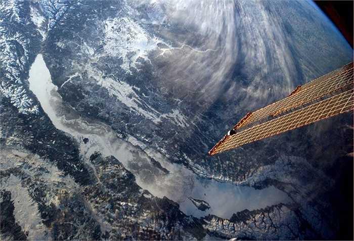 Hồ Baikal, Siberia nhìn từ trạm ISS