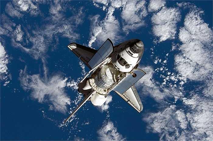 Tàu con thoi của NASA làm nhiệm vụ tiếp cận ISS